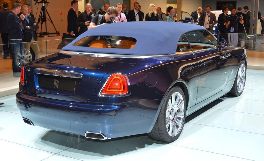 2017 Rolls-Royce Dawn - Slide 4