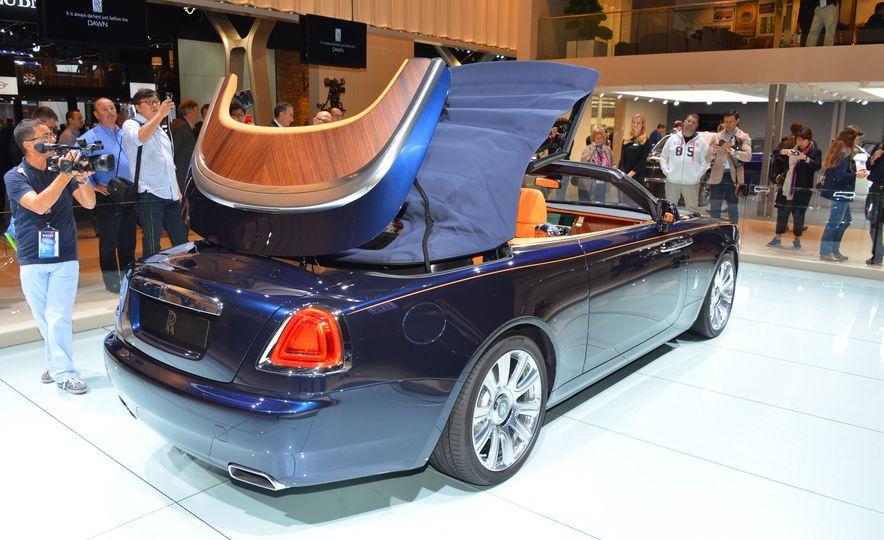 2017 Rolls-Royce Dawn - Slide 5