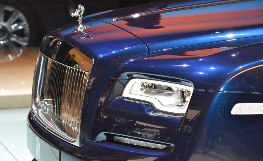 2017 Rolls-Royce Dawn - Slide 8