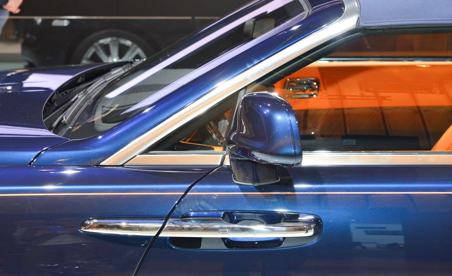 2017 Rolls-Royce Dawn - Slide 9