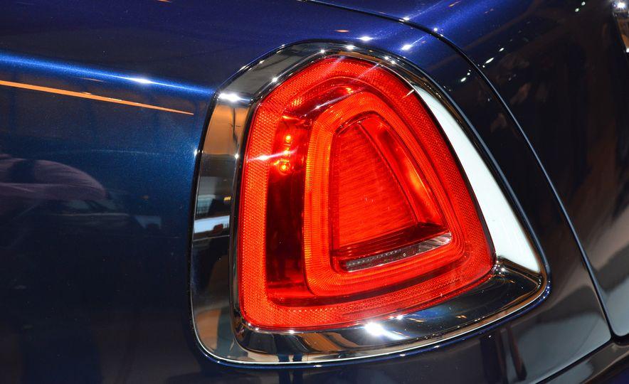 2017 Rolls-Royce Dawn - Slide 12