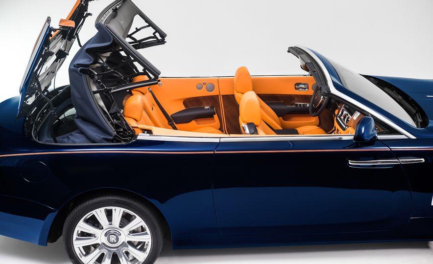 2017 Rolls-Royce Dawn - Slide 37