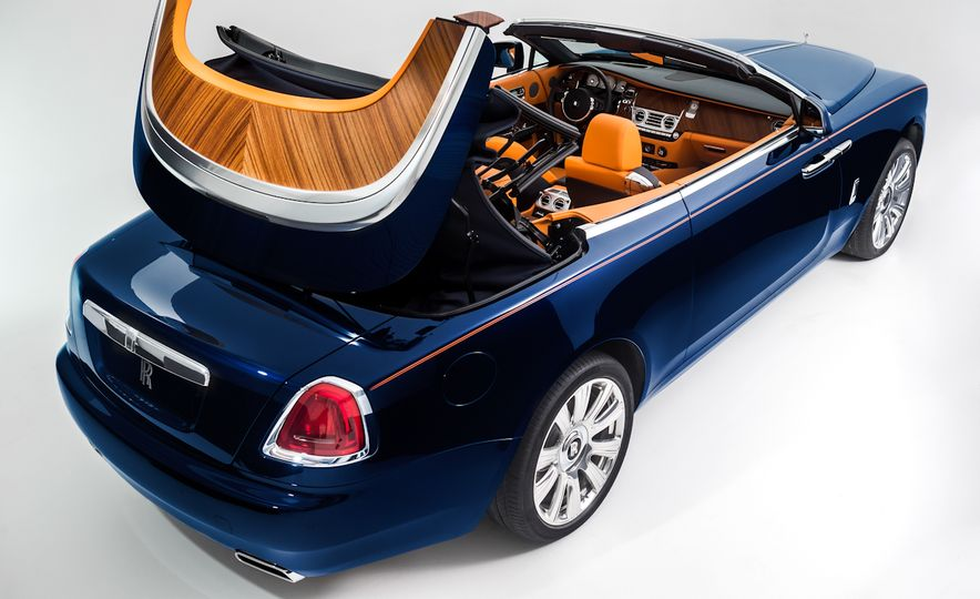 2017 Rolls-Royce Dawn - Slide 38