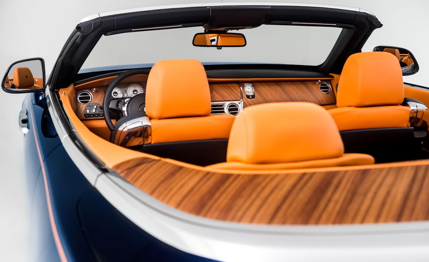 2017 Rolls-Royce Dawn - Slide 40