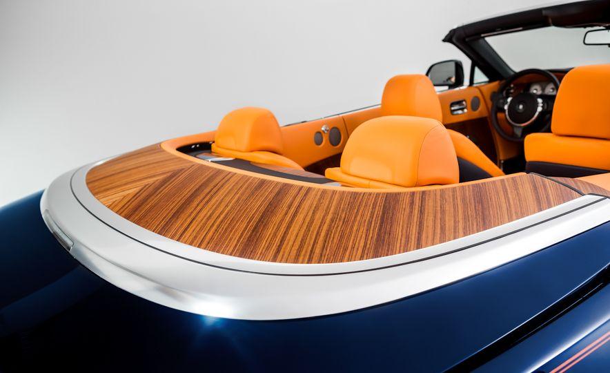 2017 Rolls-Royce Dawn - Slide 41