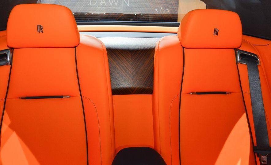 2017 Rolls-Royce Dawn - Slide 19