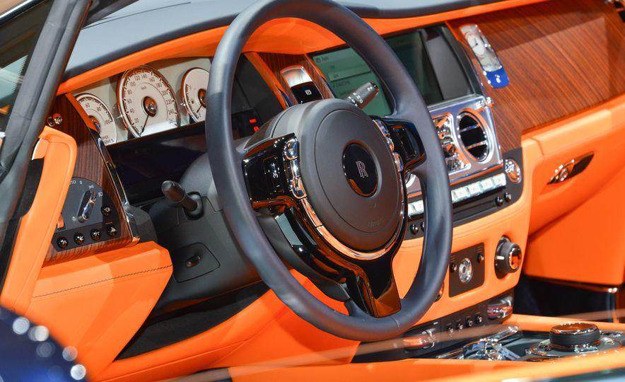 2017 Rolls-Royce Dawn - Slide 21