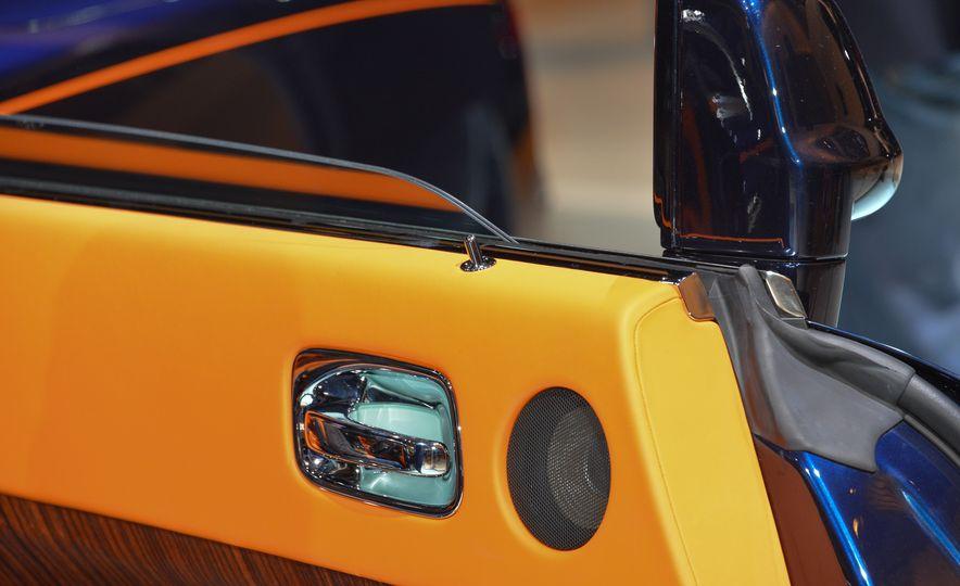 2017 Rolls-Royce Dawn - Slide 26