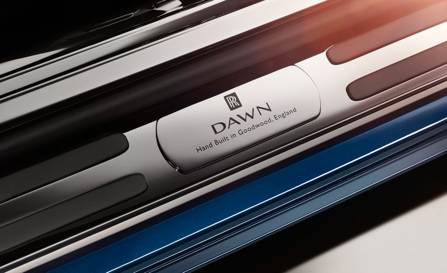 2017 Rolls-Royce Dawn - Slide 52