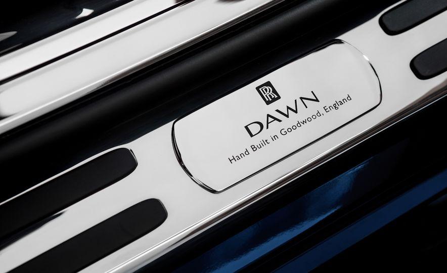 2017 Rolls-Royce Dawn - Slide 57