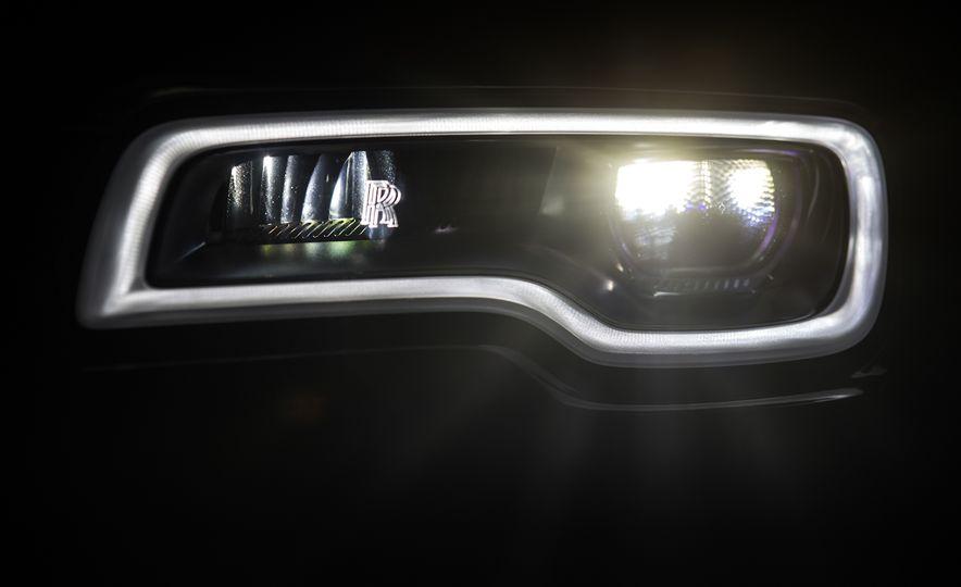 2017 Rolls-Royce Dawn - Slide 62