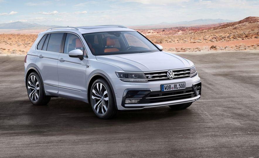 2017 Volkswagen Tiguan R-Line 4MOTION (Euro-spec) - Slide 18