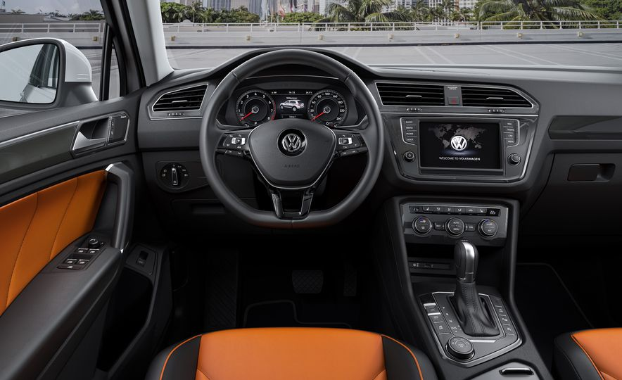 2017 Volkswagen Tiguan R-Line 4MOTION (Euro-spec) - Slide 22