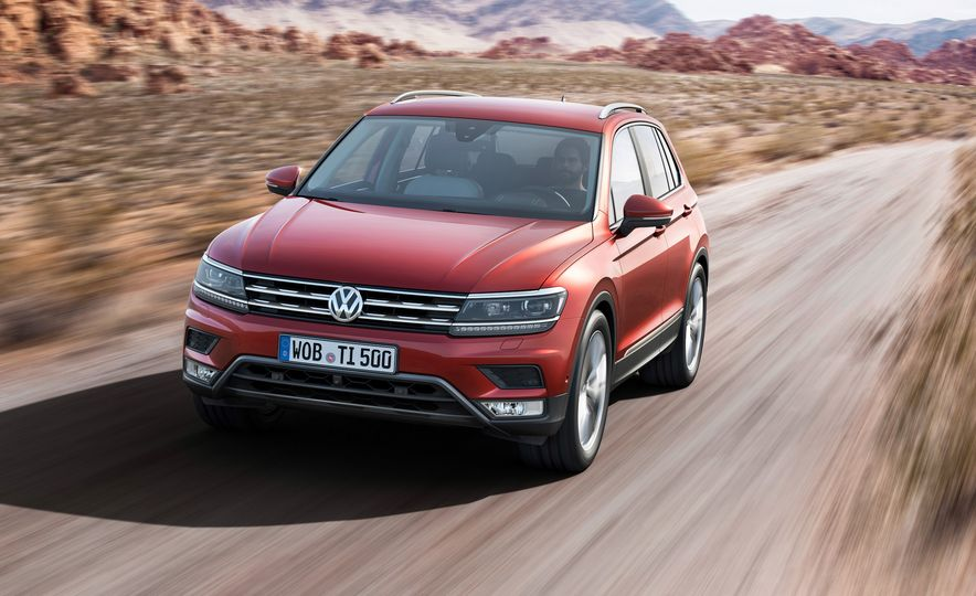2017 Volkswagen Tiguan R-Line 4MOTION (Euro-spec) - Slide 9