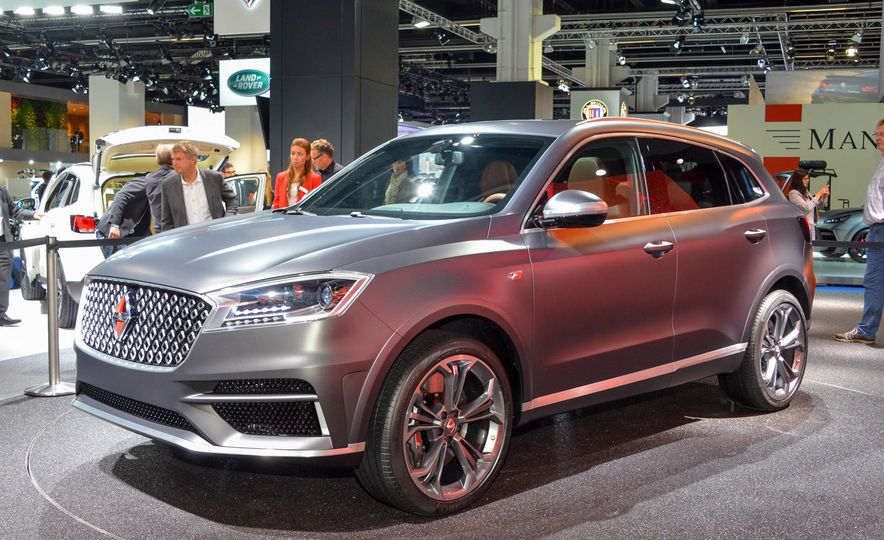 Borgward BX 7 AWD T-GDI - Slide 2