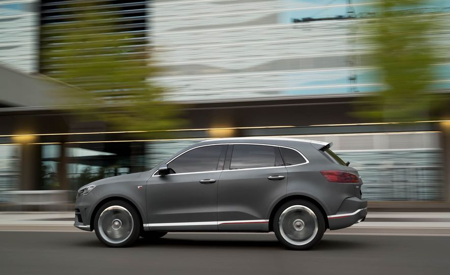 Borgward BX 7 AWD T-GDI - Slide 37