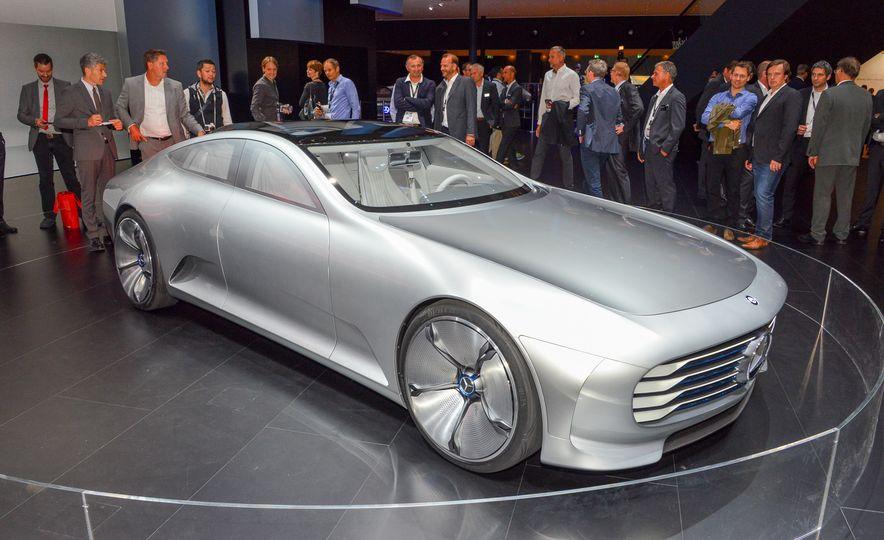 Mercedes-Benz concept IAA - Slide 1