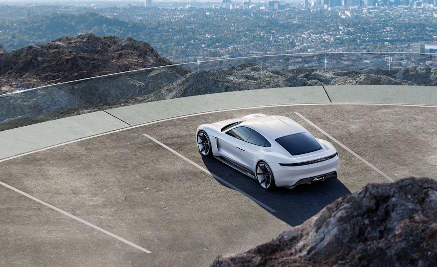 Porsche Mission E concept - Slide 8