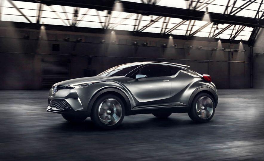 Toyota C-HR concept - Slide 21