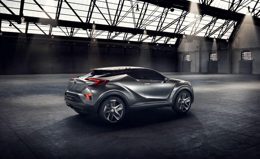 Toyota C-HR concept - Slide 25