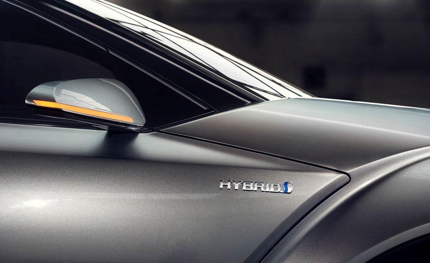 Toyota C-HR concept - Slide 31