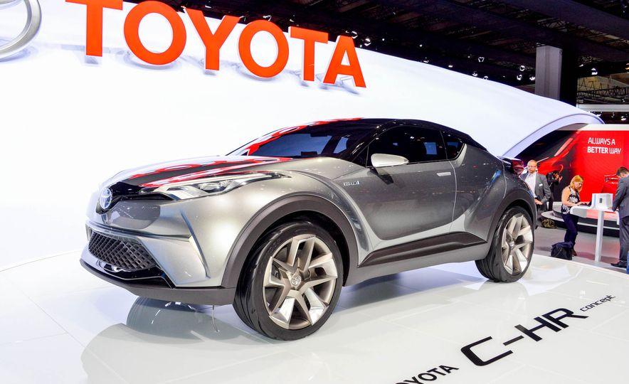 Toyota C-HR concept - Slide 3