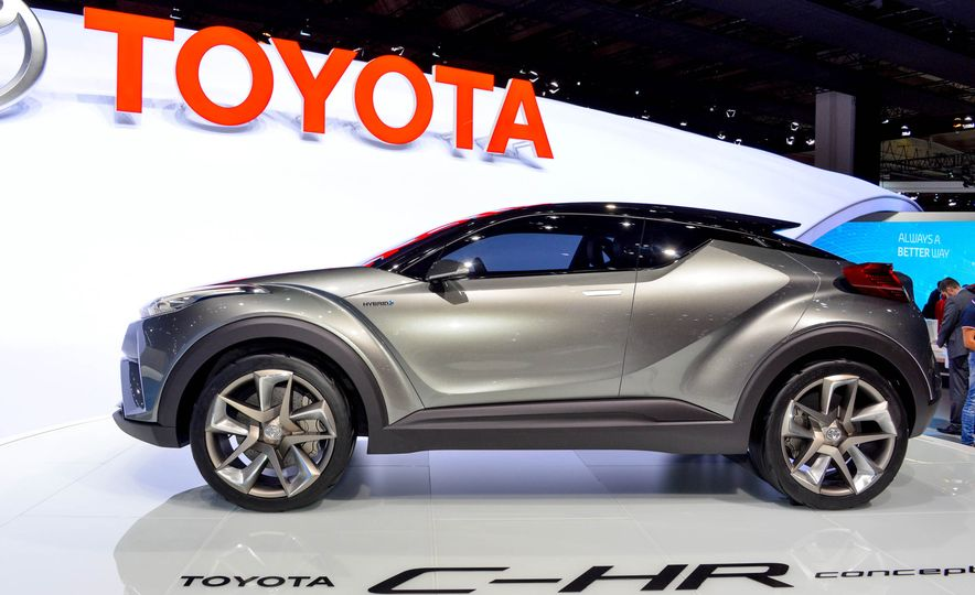 Toyota C-HR concept - Slide 4