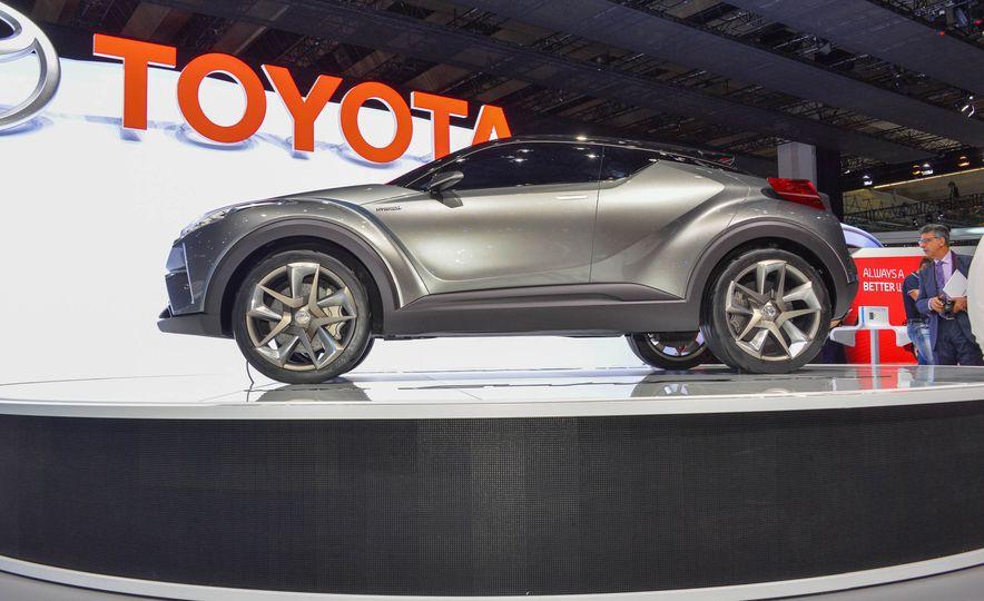 Toyota C-HR concept - Slide 5
