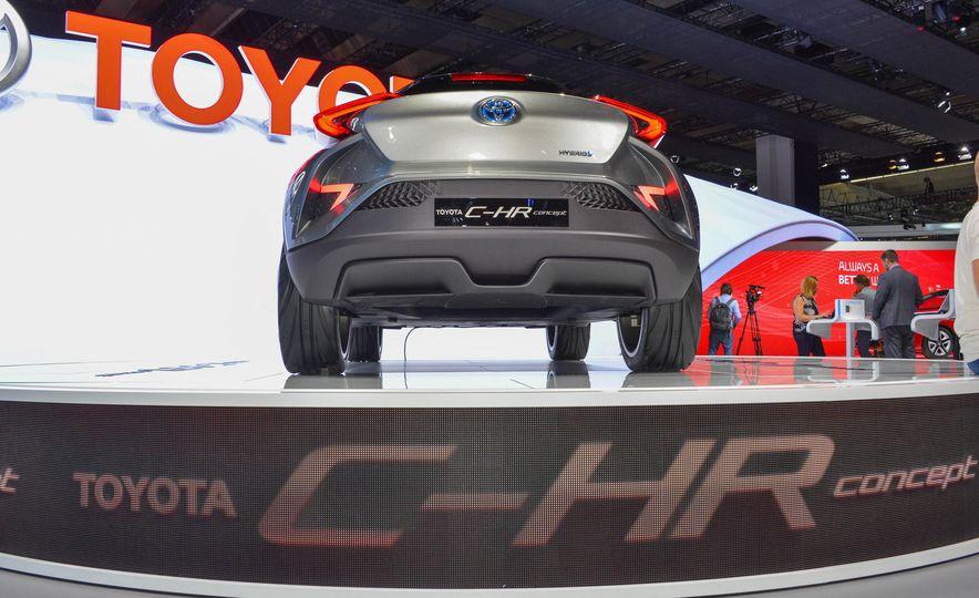 Toyota C-HR concept - Slide 6