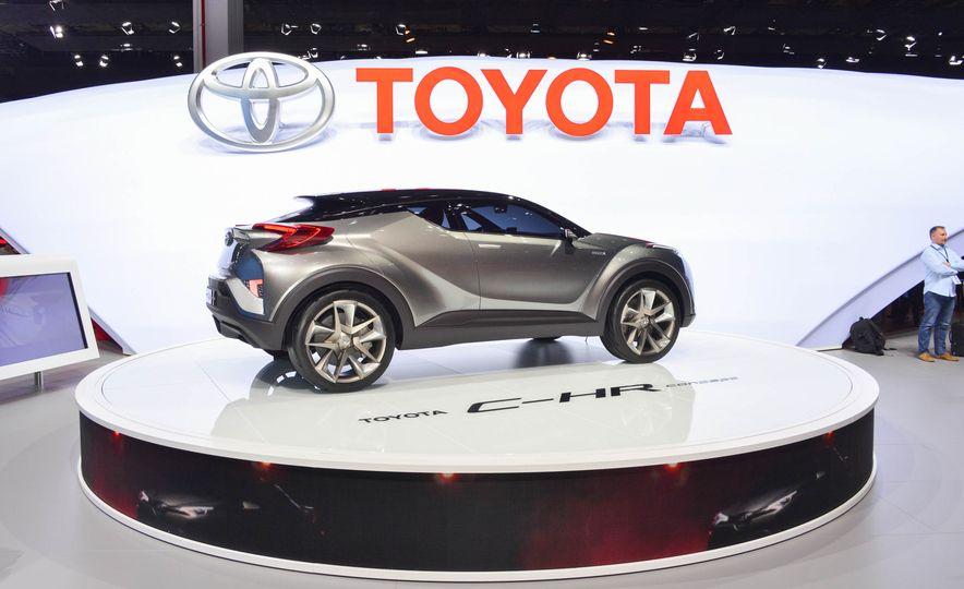 Toyota C-HR concept - Slide 7
