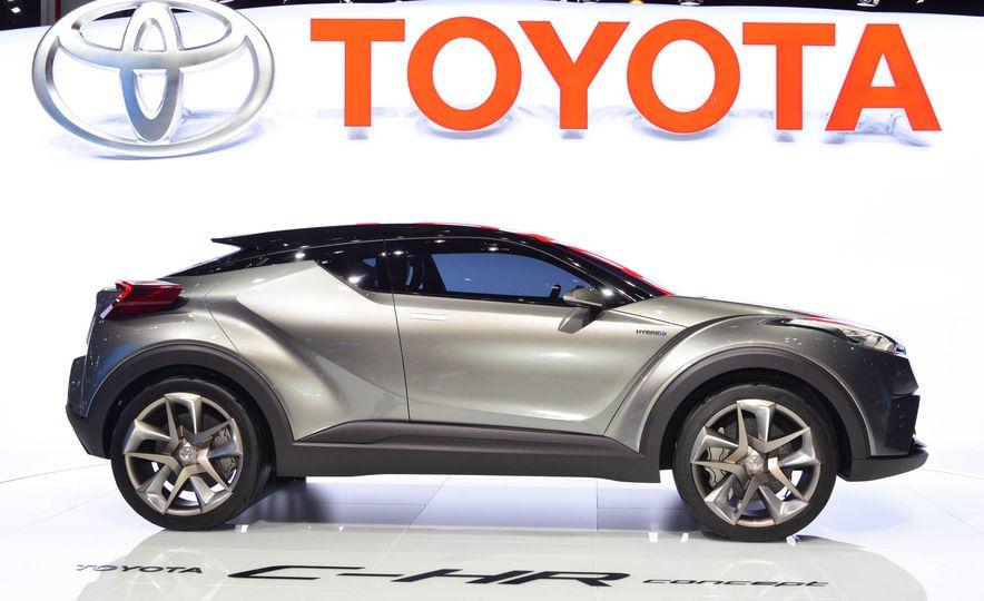 Toyota C-HR concept - Slide 9