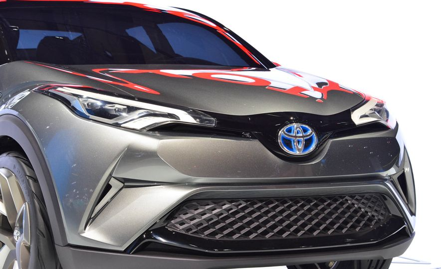 Toyota C-HR concept - Slide 10