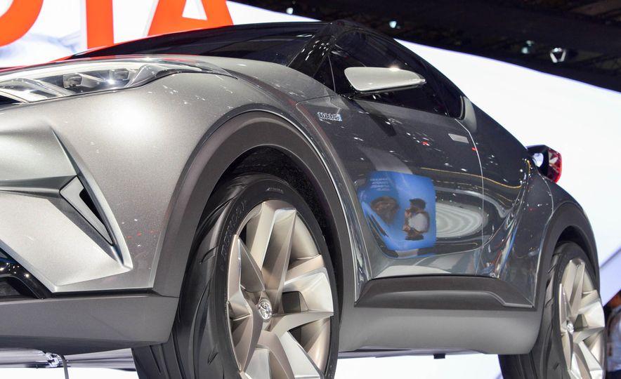 Toyota C-HR concept - Slide 14