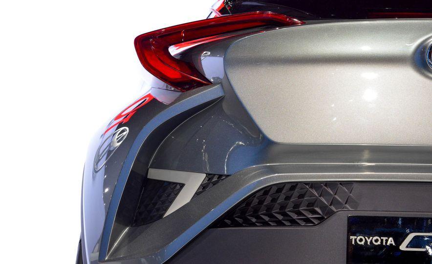 Toyota C-HR concept - Slide 18