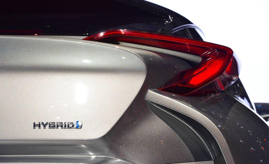 Toyota C-HR concept - Slide 19
