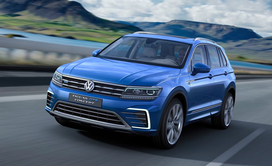 2017 Volkswagen Tiguan R-Line 4MOTION (Euro-spec) - Slide 25