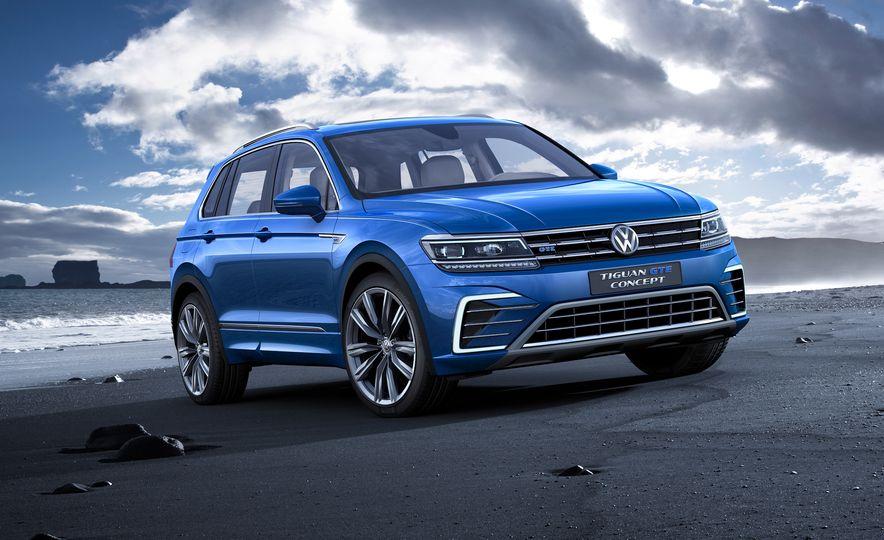 2017 Volkswagen Tiguan R-Line 4MOTION (Euro-spec) - Slide 32