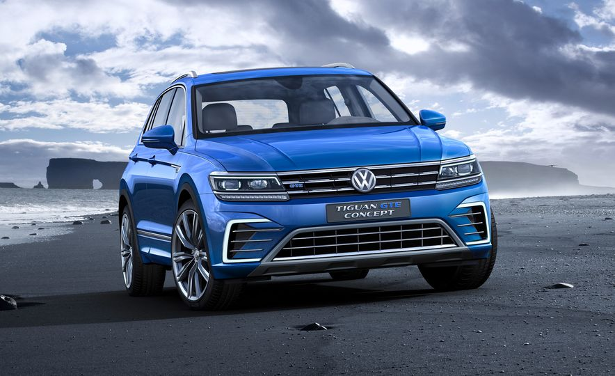 2017 Volkswagen Tiguan R-Line 4MOTION (Euro-spec) - Slide 33