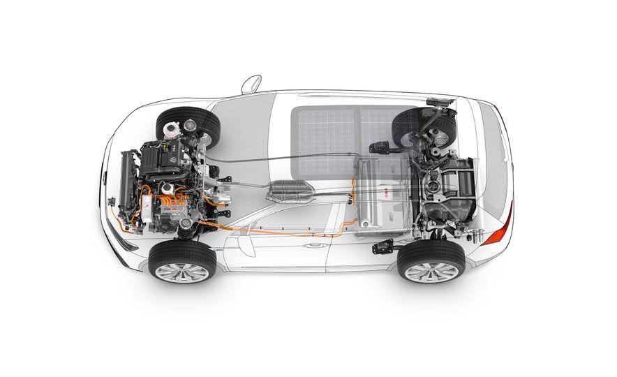 2017 Volkswagen Tiguan R-Line 4MOTION (Euro-spec) - Slide 50