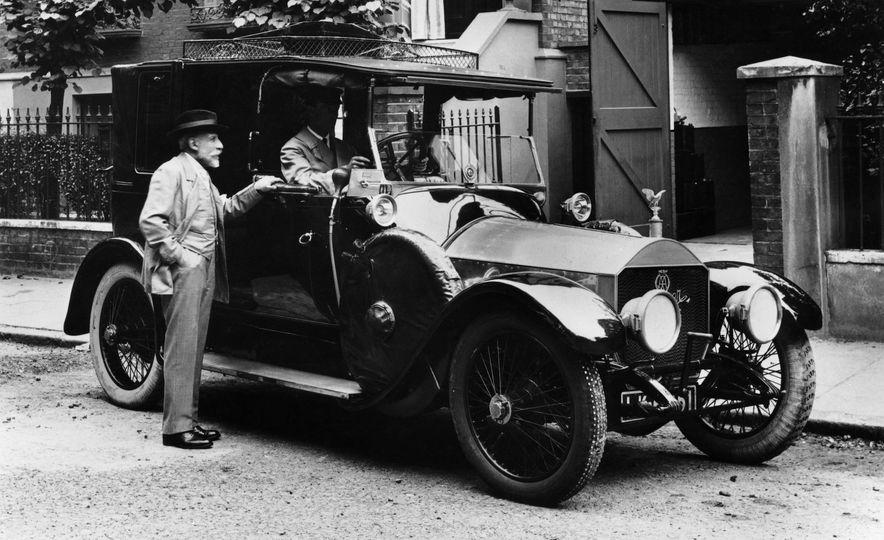 10 Luxury Car Brands That Time Forgot - Slide 13