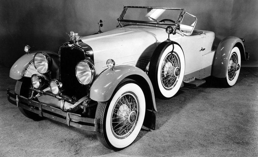 10 Luxury Car Brands That Time Forgot - Slide 21