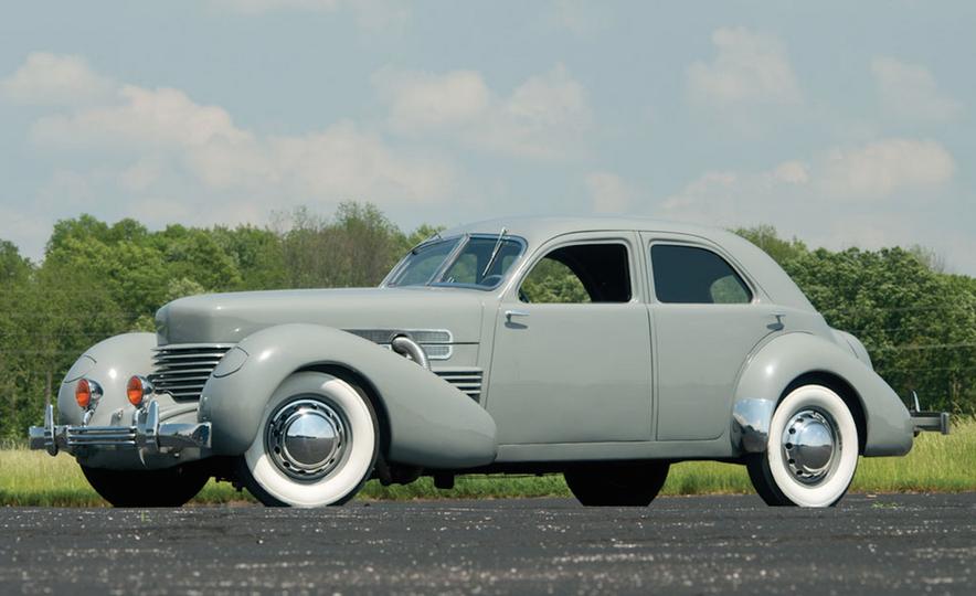 10 Luxury Car Brands That Time Forgot - Slide 7