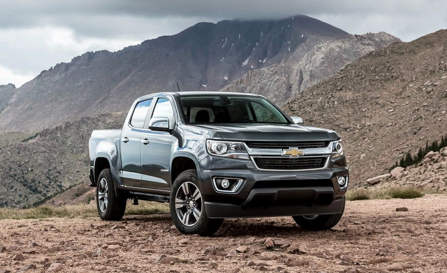 2015 Chevrolet Colorado LT 4WD and 2016 Toyota Tacoma TRD Off-Road 4x4 - Slide 15