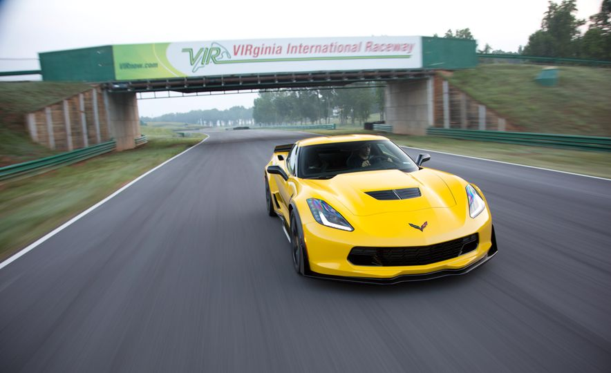 2015 Chevrolet Corvette Z06 - Slide 3