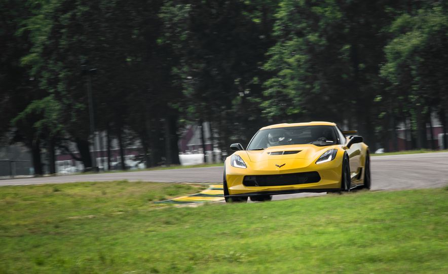 2015 Chevrolet Corvette Z06 - Slide 4
