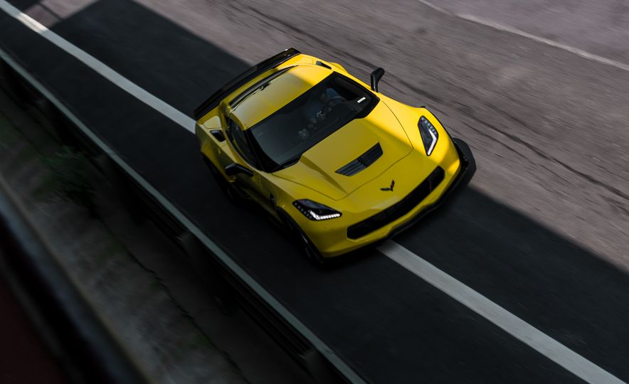 2015 Chevrolet Corvette Z06 - Slide 7
