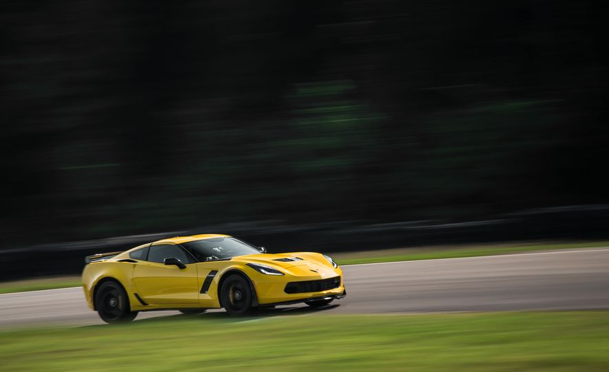 2015 Chevrolet Corvette Z06 - Slide 10
