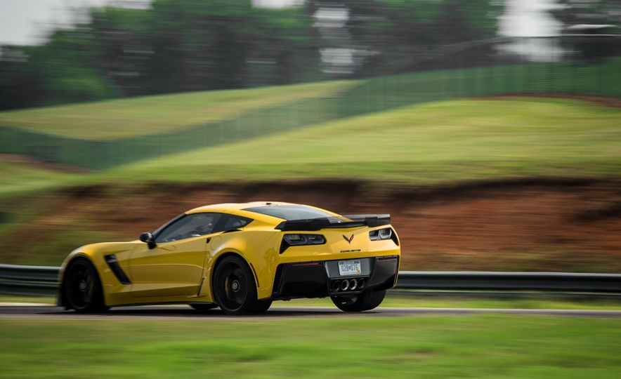 2015 Chevrolet Corvette Z06 - Slide 14