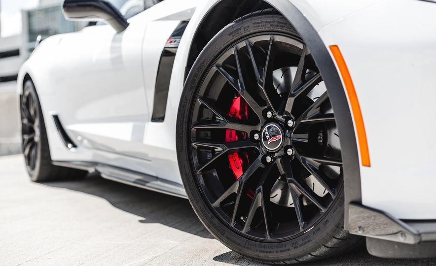 2015 Chevrolet Corvette Z06 convertible - Slide 25