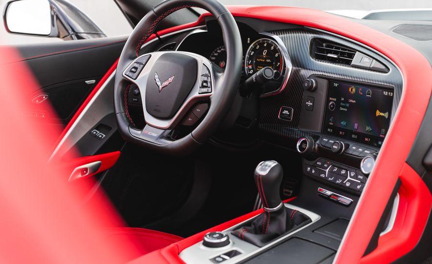 2015 Chevrolet Corvette Z06 convertible - Slide 42
